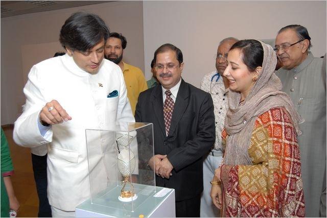 Dr Shashi Tharur
